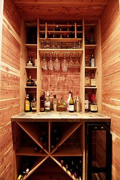 Wine closet. Looks easy enough to build. My dad could definitely make this for me