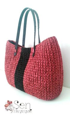 Collection : Tote bag in burgundy
