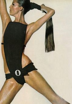 Birgitta af Klercker for Vogue 1966 (photo by Irving Penn) Sixties Fashion, Retro Fashion, Fashion Black, Gothic Fashion, 1970 Style, Athleisure, Lauren Hutton, Vintage Swimsuits, Vintage Fashion Photography