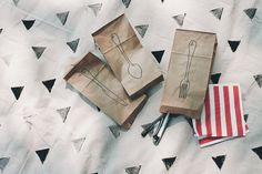 if you saw the picnic blanket diy the other day, you might have noticed these paper bags in the photos. inspired by the packaging that the wood cutlery from terrain comes in, there's no way i'd spe...