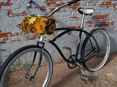 @Lizzy McErlean, another fun bike bag option! Comes off and turns into a purse!