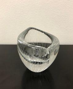 Tapio Wirkkala Line Cut 3572 Art Bowl - Finnish Mid-Century Modern Vintage Design Glass from Iittala, Finland Glass Design, Finland, Vintage Designs, Decorative Bowls, Mid-century Modern, Glass Art, Designers, Mid Century, Crystals