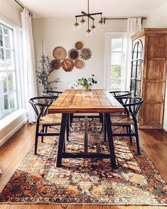 Bohemian Dining Room, Dining Room Design, Dining Room Decor, Apartment Decor, Industrial Interior Style, Farmhouse Dining Room, Rustic Dining Table, Home Decor, Dining Room Table
