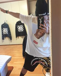 One of the Uluna's selfie references Ellesse, Bape, Boy Fashion, Mens Fashion, Fashion Outfits, Hypebeast Brands, Supreme Clothing, Tomboy Outfits, Kinds Of Clothes