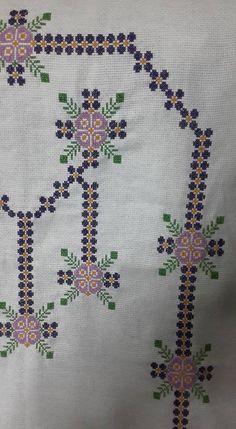 Cross Stitch Patterns, Bohemian Rug, Friends, Handmade, Towels, Cross Stitch, Dots, Needlepoint, Amigos