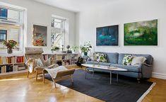 Poltronas decorativas. Veja: http://www.casadevalentina.com.br/blog/detalhes/poltronas-decorativas-3028 #decor #decoracao #interior #design #casa #home #house #idea #ideia #detalhes #details #style #estilo #casadevalentina #cor #color #livingroom #saladeestar