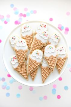 Kids Ice Cream themed birthday party celebration with ice cream cookie dessert. Styling by Happy Wish Company. See the full birthday party on happywishcompany.com