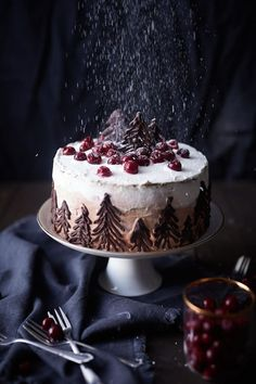 The other variant of the popular black forest cherry cake. - The other variant of the popular black forest cherry cake. Suitable for the winter time, gingerbread - Christmas Desserts, Christmas Treats, Christmas Baking, Christmas Recipes, Christmas Cakes, Holiday Cakes, Holiday Recipes, Food Cakes, Cupcake Cakes