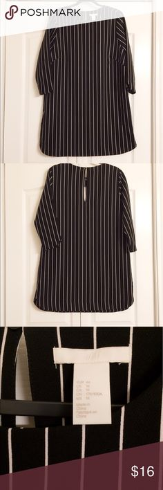 "🎉🎉🎉BEST OFFER🎉🎉🎉 H&M striped shift dress Great shift dress for work! I've worn it once but unable to fit now. Cleaning out my closet and looking to get rid of some items. Length: 35"" from shoulder to hem...I'm 5'1"" and it falls right under my knee cap. What's your best price?? H&M Dresses Midi"