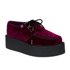 Burgundy Velvet Mondo Creeper Shoes by TUK. Burgund Velvet creepers with mondo creeper sole. Burgund Velvet Mondo Creeper Shoes by TUK. Creepers Outfit, Dr Shoes, Goth Boots, Burgundy Fashion, Gothic Shoes, Creeper Shoes, Platform Sneakers, Outfit, Tennis