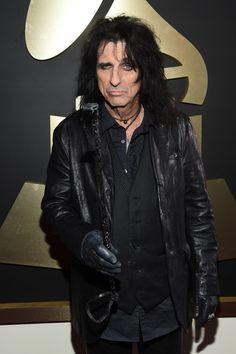 Alice Cooper Photos Photos - Singer Alice Cooper attends The 58th GRAMMY Awards at Staples Center on February 15, 2016 in Los Angeles, California. - The 58th GRAMMY Awards - Red Carpet