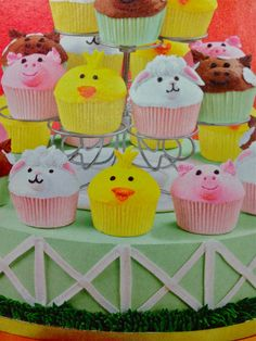 duck, pig, sheep, cow cupcakes