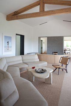23 Cozy Living Room Designs & With White Sofa - Home Decor & Design Living Room White, White Rooms, Cozy Living Rooms, Living Room Interior, Home And Living, Living Room Furniture, Home Furniture, Living Room Decor, Interior Livingroom