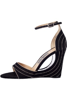 Love them!!!!    SALVATORE FERRAGAMO