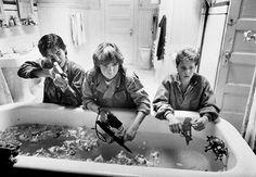 Corey Feldman, Corey Haim, and Jamison Newlander in The Lost Boys Lost Boys Movie, The Lost Boys 1987, Movie Tv, Teen Movies, Iconic Movies, Best Vampire Movies, Old School Movies, Corey Haim, Corey Feldman