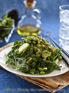 CRAVE-WORTHY KALE SALAD (has no less than 6 of the metabolism boosting foods)
