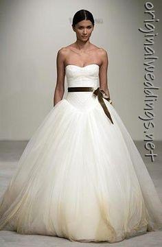 Vera Wang Bride Wars Ball gown #weddings