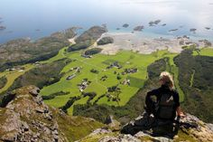 Just beyond Brønnøysund lies the municipality and archipelago of Vega with its 6500 islands, islets and skerries. Most residents live on the main island. Vegas, Arctic Circle, Go Hiking, Archipelago, Historical Sites, World Heritage Sites, Norway, Places To Go, Beautiful Places