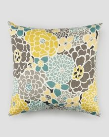 Add comfy casual seating to an outdoor space with the Pillow Perfect Full Bloom 25 inn. Floor Pillow , enlivened in a fresh floral pattern. Buy Pillows, Floor Pillows, Accent Pillows, Bedroom Color Schemes, Bedroom Colors, Living Room Size, Modern Floral Design, Floral Designs, Blue Paint Colors