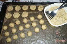 Karácsonyi diós Best Christmas Cookies, Christmas Goodies, Holiday Cookies, Christmas Baking, Drop Cookies, Dough Recipe, Griddle Pan, Favorite Holiday, Cookie Recipes