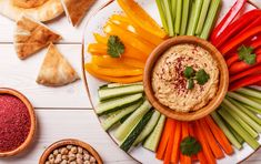 Bad snacking is a quick way to ruin your diet so by choosing the right healthy snacks from my 30 alkaline snack list you& be sure to keep on track. Healthy Diet Recipes, Healthy Food Choices, Healthy Snacks, Vegan Recipes, Veggie Snacks, Bad Carbohydrates, Homemade Hummus, Raw Vegetables, Kid Friendly Meals