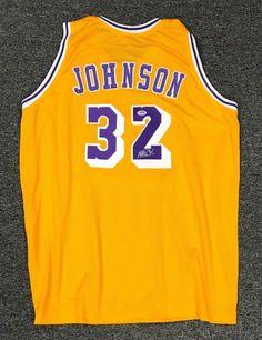Magic Johnson  32 Signed Los Angeles Lakers Jersey AUTO Sz XL PSA DNA COA  HOF  Basketball 0e407171f