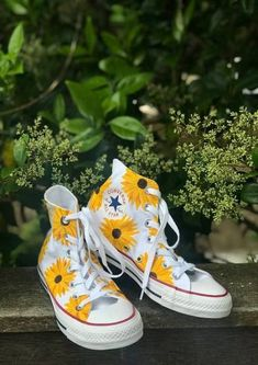 Painted Converse, Painted Canvas Shoes, Painted Sneakers, Hand Painted Shoes, Painted Clothes, Canvas Sneakers, Custom Converse, Custom Shoes, Converse Shoes