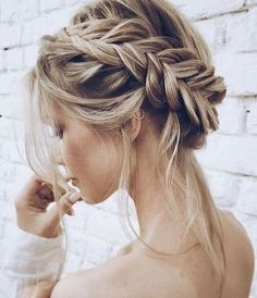 inspiration for wedding day hairstyles for long hair; hair design for wedding; wedding hair looks; Easy hairstyles for women; wedding day hairstyles for long hair; Bride Hairstyles, Pretty Hairstyles, Easy Hairstyles, Hairstyle Ideas, Updo Hairstyle, Spring Hairstyles, Hairstyles 2018, Everyday Hairstyles, Braided Crown Hairstyles