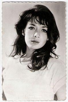 Juliette Greco. Dutch postcard, no. 662.