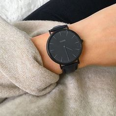 La Bohème Leather Black Black/Black - Watch - Ideas of Watch - CLUSE La Bohème Full Black is the perfect statement piece. Trendy Watches, Cool Watches, Black Watches, Women's Watches, Jewelry Accessories, Fashion Accessories, Fashion Jewelry, Elegantes Outfit, Luxury Watches