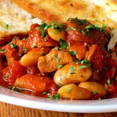 Spanish pork casserole A one-pot-wonder with chorizo and butter beans. Pork Casserole, Casserole Dishes, Casserole Recipes, Spanish Pork, Boneless Pork Shoulder, Pork N Beans, Easy Weekday Meals, Work Meals, Butter Beans