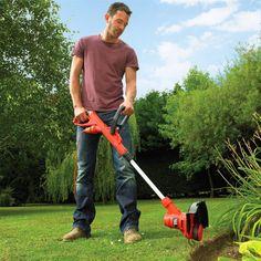 Prerese bari 450W. Përdoret për të prerë barë në zona të ngushta të kopshtit tuaj dhe për ti dhënë barit formen që ju dëshironi. Ka një motor të fuqishem të shpejtë dhe efikas. Diametri prerës 25 cm të jep mundësine që të presësh në zona të ngushta. Ka një dorezë dytësore për ta bërë atë komode dhe lehtësisht të komandueshme. Fija me diametër 1.6mm realizon një prerje të shpejtë dhe pa zhyrmë.