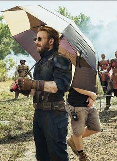 Steve Rodgers, Vigilante, Captain My Captain, Avengers Poster, Bucky And Steve, Robert Evans, Marvel Comic Character, Chris Evans Captain America, Chris Hemsworth
