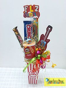 Globos, Flores y Fiestas Chocolate Bouquet, Crafts For Boys, Candy Bouquet, Ideas Para Fiestas, Candy Gifts, How To Make Chocolate, Birthday Decorations, Gift Baskets, Fathers Day