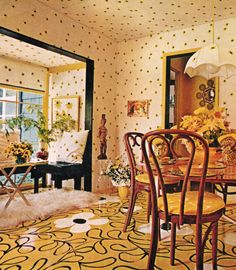 Home Decor, 1970s. Typical 70s conventional. Looks like my girlfriend's parents house. Ugh.