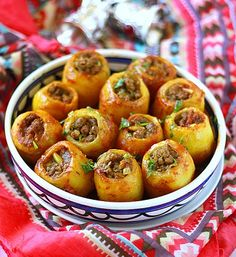 Potatoes stuffed with minced meat, a delicacy of Russian origin, … - Recipes Easy & Healthy Ukrainian Recipes, Russian Recipes, Med Diet, Cooking Recipes, Healthy Recipes, Delicious Recipes, How To Cook Quinoa, Winter Food, Winter Meals