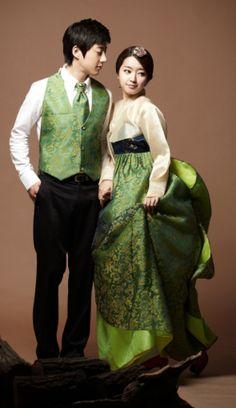 한복 (Hanbok) / Korean dress hhmnnn modern and traditional... COOL!!
