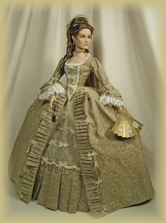 Marie Leszcynska, Queen of France - picture located on the net as being made by Cheryl Crawford.