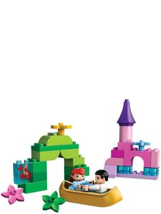 Plan a magical boat ride for Ariel and the charming Prince Eric! Recreate iconic scenes from the Disney animated movie! DUPLO products are fun and safe for younger hands. Climb aboard the golden boat for a magical ride with Ariel and Prince Eric! Maleficent, Lego Duplo Sets, Cinderella, Learning Toys For Toddlers, Disney Animated Movies, All Lego, Happy 2nd Birthday, Birthday Ideas, Toy R