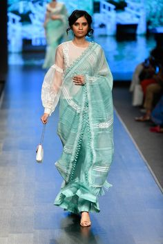 Kurtas, saris and more: 11 best festive outfits at Lotus Make-Up India Fashion Week spring/summer 2020 India Fashion Week, Lakme Fashion Week, Vogue Fashion Week, High Fashion, Trendy Sarees, Stylish Sarees, Vogue India, Best Blouse Designs, Saree Blouse Designs