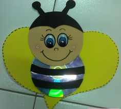 cd bee craft with template (3)