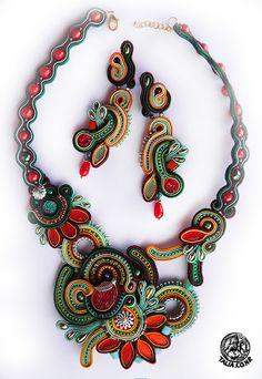 Multicolor soutache necklace with earrings