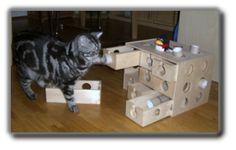 DIY cat toy made from Ikea desktop organizer drawers.  Instructions in German.  Fummelbrett und Fummelbox