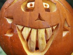 Halloween Pumpkin Decorating : Home Improvement : DIY Network Halloween Designs, Halloween Projects, Diy Halloween Decorations, Fall Projects, Fall Decorations, Happy Halloween, Halloween Jack, Halloween Pumpkins, Halloween 2017