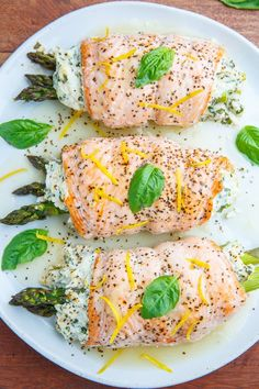 Dec 8 2019 - Asparagus and Lemon and Basil Ricotta Stuffed Salmon Rolls with Lemon Sauce Fish Recipes, Seafood Recipes, Mexican Food Recipes, Italian Recipes, Sauce Recipes, Cooking Recipes, Healthy Recipes, Healthy Food, Vegan Food