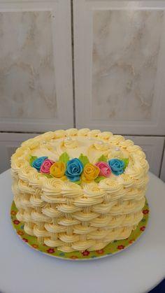Cake Decorating Piping, Creative Cake Decorating, Cake Decorating Designs, Birthday Cake Decorating, Creative Cakes, Cake Designs, Cake Decorating For Beginners, Cake Decorating Videos, Cute Birthday Cakes