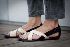 10 Sale Faye Nude Leather Sandals Flat Summer Shoes por abramey, $190.00