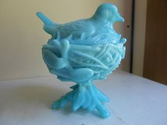 WESTMORELAND-blue-milk-glass-bird-on-nest-footed-compote-candy-dish-w-lid