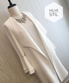 Fashion Tips For Women Jeans Abaya Fashion, Muslim Fashion, Modest Fashion, Fashion Clothes, Fashion Models, Fashion Dresses, Fashion Tips, Muslim Dress, Hijab Dress