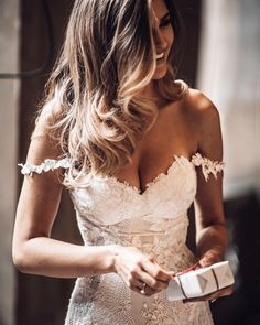 Wedding Dress Off the Shoulders in Lace wedding gown Romantic Wedding Dresses — the bohemian wedding Wedding Dress Styles, Dream Wedding Dresses, Designer Wedding Dresses, Bridal Dresses, Lace Mermaid Wedding Dress, Off Shoulder Wedding Dress Bohemian, Bhldn Dresses, Fairy Wedding Dress, Popular Wedding Dresses